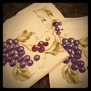 Other - Decorative cloths dinner napkins